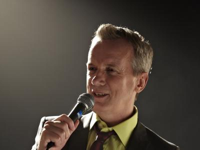Comedy king Frank Skinner bringing tour to Aldersley