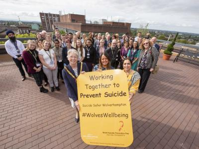 Mayor of Wolverhampton Councillor Claire Darke, who has made the Wolverhampton Suicide Prevention Stakeholder Forum one of her chosen charities for her year in office, joined members of the forum on World Suicide Prevention Day