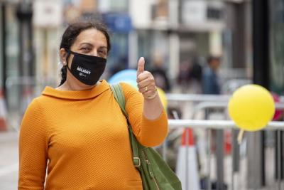 Councillor Jasbir Jaspal, Cabinet Member for Public Health and Wellbeing, wearing her face covering
