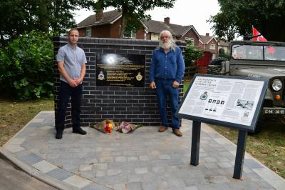 Jonathon Edwards, stonemason, (left) and Alan Degg of Hilton Main Construction who unveiled the memorial