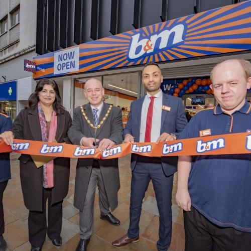 (L-R): Chaithanya Sindham, B&M employee, Harbinder Hare, Counselling Services Base 25, Deputy Mayor of Wolverhampton, Councillor Greg Brackenridge, Preyesh Purohit, B&M Store Manager and Christopher Fieldhouse, B&M employee